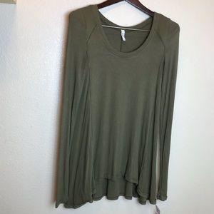 Free People || Green Asymmetric Long Sleeve Top